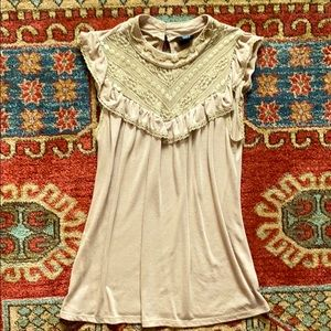 Pretty tan top with lace detail